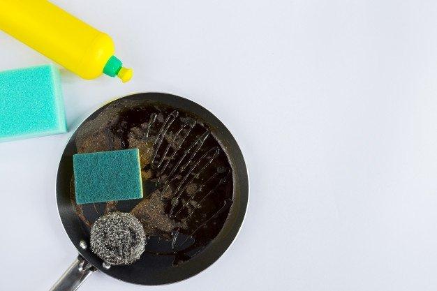 Comment nettoyer une poele ?